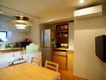 北九州市小倉南区 スッキリ収納リフォーム カップボード キッチン収納 ユニットバス エコキュート オール電化