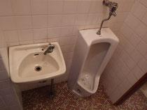 手洗い小便器(リフォーム前)