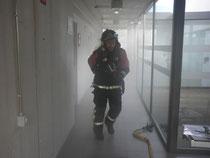Los bomberos entrando al centro