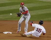 Nella foto l'errore di Pete Kozma (foto da Yahoo.com)