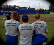 "Lo slogan sulle t-shirt dello staff della Nazionale Italiana agli Europei ""Preparation is the Work ....... Success is the Reward"" ""La Preparazione è il Lavoro.....il Successo la Ricompensa"" (vai sulla foto per ingrandire)"