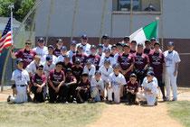 Nella foto la squadra Italian Dream di Giugno con la squadra di Nutley, New Jersey