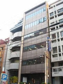 ●森井ビル 「ホテルマイステイズ堺筋本町」東へ2軒目のビル