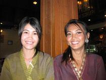 Unsere Bedienung im Naresdamri Restaurant