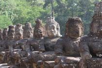 Asuras vor Angkor Thom