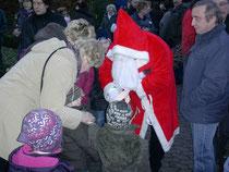 Auch der Weihnachtsmann schaute in Iselersheim vorbei