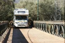 Die Holzbrücke in Ouzoud