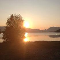 Sonnenaufgang über dem Walchensee (fotografiert während unseres Sommerurlaubs)