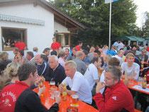 Ein voller Biergarten mit zufriedenen Gästen ist das Markenzeichen beim Sommerfest des Schwürbitzer Turnvereins. Am 25. Und 26. August 2012 laden die Turner ihre Gäste aus nah und fern wieder auf den Turnerplatz im Weiherweg ein. -hh-