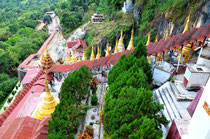 Aufgang zu den Grotten von Pindaya