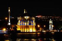 Sultan Camii Moschee am Abend