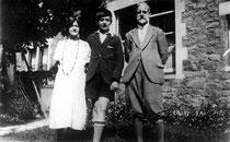 D'esquerra a dreta: Lilian Wolfe, J. H. Keell i Thomas H. Keell (31 d'agost de 1931)