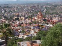 フェスティバルディレクター宅から眺めるSan Miguel de Allende中心街