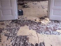 Kieferdielen mit Ochsenblut und Teppichfilz