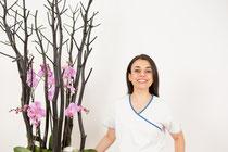 Ein Dentalhygienikerin in der Zahnklinik | SOS Zahnärzte