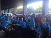 国立競技場の受付ボランティア風景