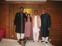 A Tapovan, chez Kiran Vyas, son fondateur. Avec Kiran, Ustad Usman Khan & Prakash Kandasami - Photo Ferranti Ferrante