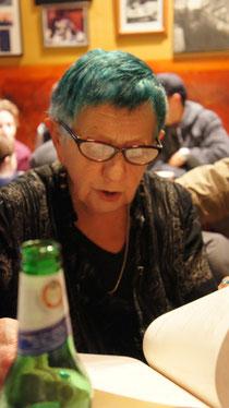 Ruth Weiss im Cafe Trieste, SF
