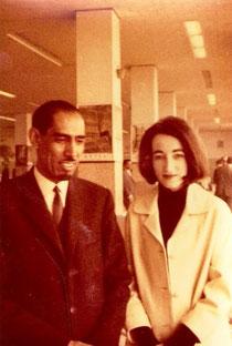 Ankara Airport, Dezember 1966. Die Autorin mit Sheikh Abdul-Aziz
