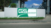Fassadenbeschriftung mit Digitaldruck Firma Schneider Rundumwerbung Andreas Trump Crailsheim