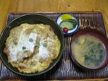 人気メニュー カツ丼(並)800円