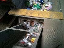 Aufgabebunker unsortierte Kunststoffe