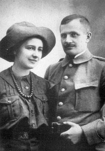 Zdjęcie ślubne Olgi Drahonowskiej i Andrzeja Małkowskiego (1913)