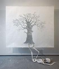 Fall (chute), papier et colle, 210x240x70 cm, 2008.