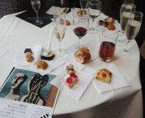 内覧会の後、飲み物とお料理がふるまわれた。
