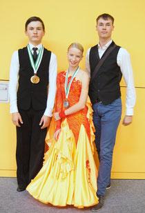 Paul Marc Sachse und Karla Rottmayer mit ihrem Trainer Martin Herrmann