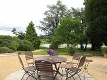 La terrasse des Chambres et Table d'Hôtes de Charme du Masbareau en Limousin, Haute-Vienne-Nouvelle-Aquitaine