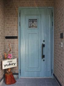スタジオの扉です!