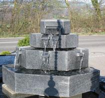 Granit Kaskadenbrunnen