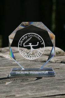 Der Preis für den ersten offiziellen Deutschen Meister im Schleudern 2012.