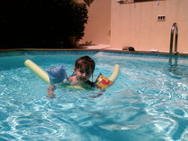 C'est la même piscine que Loana...sans Loana !!!