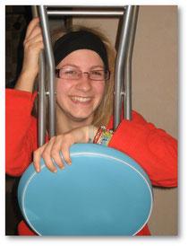 Kéké à la chaise