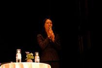 2007年講演の直子さん(道新ホール札幌)