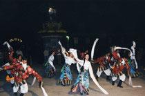 アムドのチベット舞踊(写真:中川純子)