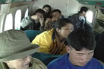 パプルへ向かうセスナの機内
