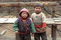 シェルパの子ども エベレスト街道にて