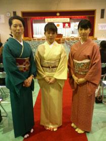 岐阜県下呂市下呂中学校の卒業式にてあゆみキモノ学院生徒の着物姿