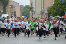 Über die 2,5km tummeln sich vor allem Schüler (Foto: Spaller/Koppe)