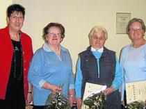 25 Jahre im Landfrauenverein Werratal: Die Vorsitzende Elisabeth Schmuland mit den Jubilarinnen Elisabeth Schmerfeld, Inge Leuschner und Helga Fines (von links). Foto:nh