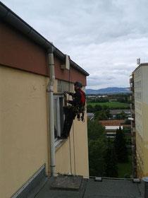 Fassadenarbeiten im Seil