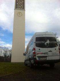Proseil Industriekletterer bei Reinigungsarbeiten in Karlsruhe
