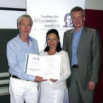 Zertifikat übergabe des Institut für Allgemeinmedizin von Herrn Prof. Gerlach