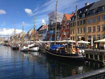 コペンハーゲンの有名な一角です。何気なく撮ったのですがそれで綺麗な一枚になりました