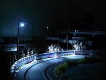 Flutlichtmasten an der Tribüne