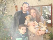 Rocco con su nueva familia.