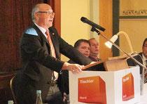 Lehrlingswart Rudolf Mundt leitete die Freisprechung der Tischlerlehrlinge ein. Foto: Die Medienfrau